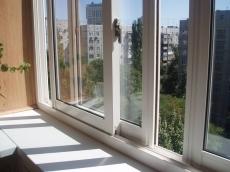 Остекление окон и балконов BauLine